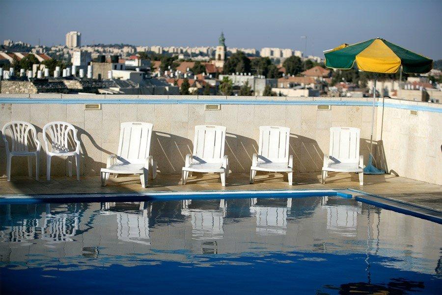 Caesar Premier Jerusalem Hotel - rooftop pool
