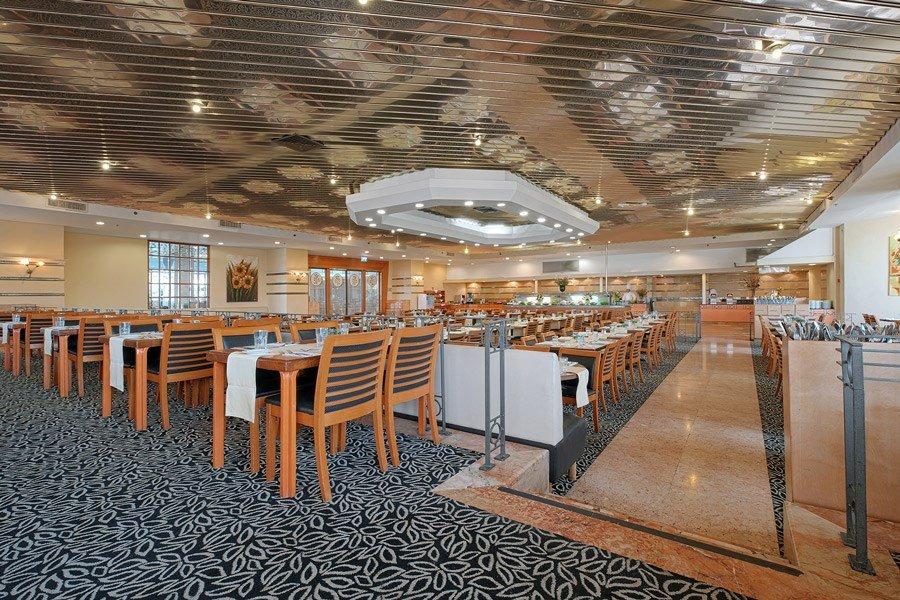 Caesar Tiberias Hotel - dining