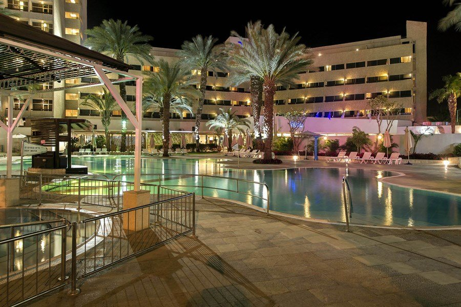 Caesar Eilat Hotel - pool at night